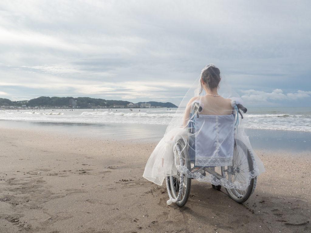 車椅子ウェディングドレス